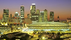 Minneapolis Skyline/Metrodome (meetminneapolis) Tags: minnesota cityscapes skylines metrodome minneapolisskyline minneapolisatnight minneapolismetrodome minneapoliscityscape minneapolissports metrodomeinminneapolis metrodomeatnight