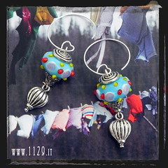 LLMONG orecchini mongolfiera blue baloon earrings 1129 (orecchini) Tags: italy silver beads wire italia handmade oneofakind crafts jewelry bijoux creazioni pietre earrings jewels charms 1129 lampwork brincos perle handcraft madeinitaly pendientes gioielli ohrringe argento unico aretes perline bouclesdoreilles ciondoli artigianato orecchini orecchino pietredure pendenti fattoamano gioielleria bigiotteria vetrosoffiato oorringen orecchiniwordpresscom www1129it 1129design www1129designcom