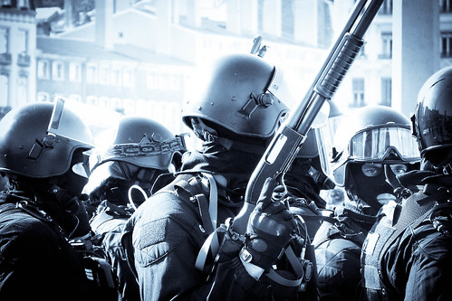 [フリー画像] 社会・環境, デモ活動, 警察・消防, フランス, 201010250500