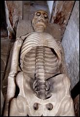 Death, or the Hollow Men (Simon_K) Tags: rotting skeleton death skull leicestershire decay fear ribs bones horror terror misery corpse 1000 cadaver endgame tseliot hollowmen breedon breedononthehill lastthings d2007c tapophilia notwithabangbutawhimper