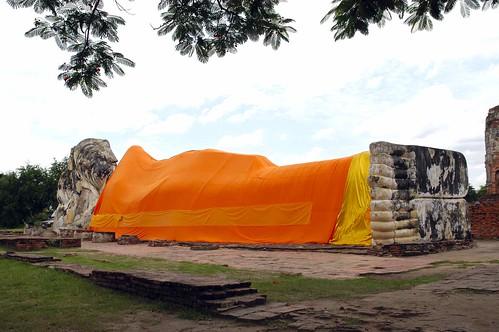 Спящий Будда в Lokkayasutha