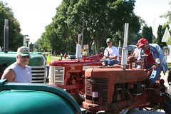 tractor ride 395 (fliesetfriends) Tags: county family tractor minnesota festival vintage john river mississippi town tour oliver ride farmers farm small country minneapolis case parade watermelon valley flies local tractors kellogg mn deere bluff farmall 2007 ih watermellon moline minneapolismoline wabasha internationalharvester bluffcountry moliine kelloggmn fliesbrothers