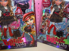 """Variant"" Cloe :P (alexbabs1) Tags: pink blue party angel doll different box lol packaging haha really bratz cloe variant dawnofthedance"