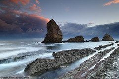 1287 (Arnia) (Joserra Irusta) Tags: sea costa seascape clouds sunrise landscape mar shorelines explore amanecer nubes frontpage olas cantabria farallones acantilados wawes canon1740f4l liencres marcantabrico farallons cantabricsea arnia joserrairusta mywinners flickrdiamond canon5dmkii wwwjoserrairustacom