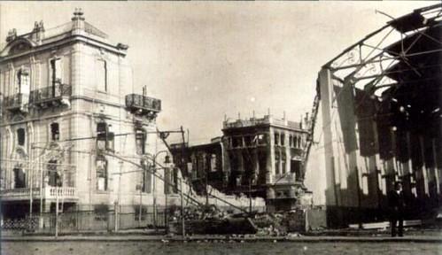 Yangından sonra Yunan Askeri Binası