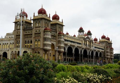 LowRes 2010-11-01 01 Mysore 02 Mysore Palace 02 LP
