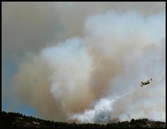 allacci il coraggio poi mi salvi con un paio di ali (altiebassi) Tags: fire nuvole cielo incendio aereo fuoco abruzzo laquila fumo fiamme coraggio
