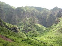 The mountain range (gelle.dk) Tags: hawaii trail kalalau napalicoast