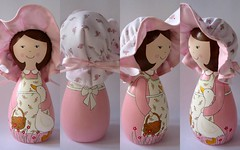 Detalhes da Mary Jane (Belle Bellica) Tags: wood pink hat painting duck doll rosa craft pato boneca pintura chapeu woodendoll