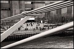 Tate Modern, Millennium Bridge, London (leszekdesign) Tags: bridge bw london thames modern canon river eos is blackwhite tate millennium usm 1785mm efs 50d f456 canonefs1785mmf456isusm canoneos50d