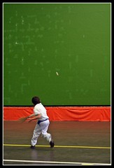 Jai Alai (disgustipado) Tags: child ume nio plentzia bizkaia fronton jaialai colorphotoaward aplusphoto goldenphotographer