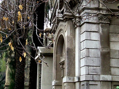 Mausoleo VI (Jorgelixious) Tags: cemetery general cementerio mausoleum coolpix fujifilm s5600