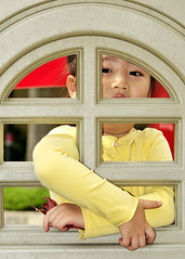 Do not let child feel Imprisoned in her heart _HXT1766 (ohmytrip) Tags: girl childhood asian education child chinese oriental restricted imprisonment imprison educationproblem losefreedom