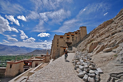 Leh Palace (Prabhu B Doss) Tags: sky india castle clouds landscape cycling interesting nikon rocks fort indian wideangle palace explore mostinteresting kashmir dslr 1020mm leh soe jk ladakh prabhu sigma1020mm nikonian blueribbonwinner sigmalens lehpalace nikondslr incredibleindia d80 nikonstunninggallery nikond80 colorphotoaward indianphotographers prabhub prabhubdoss ncredibleindia welcometoindia bcmtouringcom prabhuboomibalagadoss