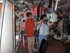 Img_2796d - Using Periscope (Our Short Australian Excursions) Tags: museum submarine newsouthwales holbrook