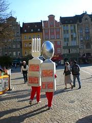 Sztuce ktrym wyrosy nogi i chodz po Rynku (jacaaa) Tags: fork spoon yka widelec sztuce