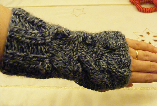 Wrist-warmers-close-up