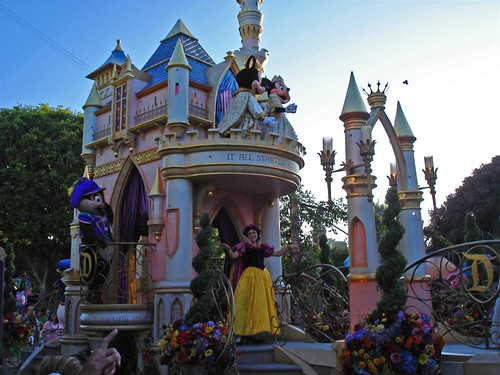 disneyland parade by radiobread, on Flickr