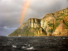 Light here! (angelocesare) Tags: light sea sky max nature scotland rainbow orkney sandstone mare waves explore cielo arcobaleno luce watcher onde scogliera scozia shieldofexcellence orcadi naturewatcher nginationalgeographicbyitalianpeople angeloamboldiphotos