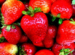 Heart Shape Strawberries (Leti-ta) Tags: red food naturaleza color nature colors fruit photography rojo strawberry heart spirit comida vivid strawberries fruta corazon ih fresas fresa naturesfinest blueribbonwinner encarnado supershot goldenmix abigfave diamondclassphotographer flickrdiamond ysplix whetgobblefrolic theperfectphotographer