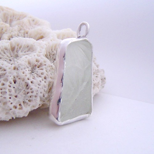 seaglass textured pendant