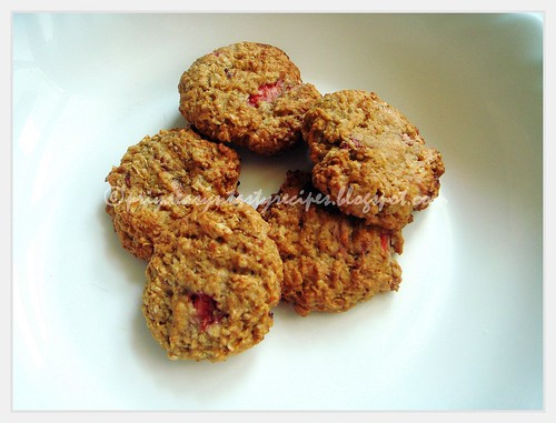 Quinoa & Strawberry Cookies