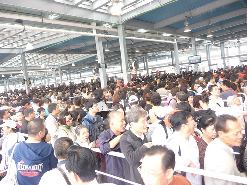 Waiting in line is people's favorite activity during the World Expo 2010