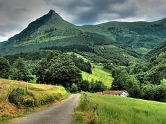 Txindoki (zubillaga61) Tags: mountain landscape paisaje hdr euskadi montes aralar txindoki