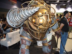 Bioshock Big Daddy (verifex) Tags: statue geotagged video games bioshock pax2007 geo:lat=47612426 geo:lon=122333257