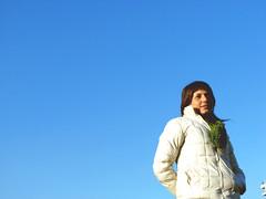cata (abacaxi´s) Tags: blue sky girl pretty alone bluesky cielo celeste pensativa turrina