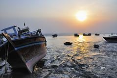 Lengeh (agowski) Tags: sunset sea beach island boat persian sand barca tramonto mare gulf iran dusk nave spiaggia golfo sabbia isola qeshm laft persico lengeh lpboats