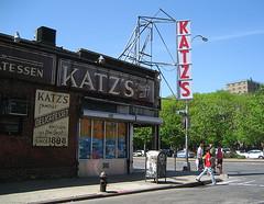 Katz's Delicatessen. Lower East Side (pijus) Tags: nyc morning usa ny newyork maana corner island restaurant manhattan lowereastside may sunny esquina deli mayo isla houstonst illa delicatessen katzs mat nuevayork maig novayork soleado cantonada
