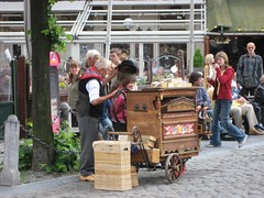 Organ grinder (josephlogan) Tags: beer joseph belgium antwerp ronya