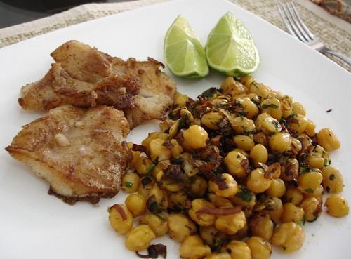 Garlic chickpeas with cumin fried fish