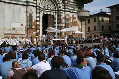 Tutti in piazza (Gianluca Ermanno (aka Vygotskij 30.000)) Tags: italien people italy italia scout persone tuscany toscana prato italians scouting centenario fotoincatenate itlalie