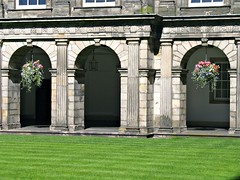 EDINBURGH, SCOTLAND 2007** (gobucks2) Tags: flowers scotland edinburgh unitedkingdom historical palaces historicalbuildings 2007 edinburghscotland palaceofholyrood july2007