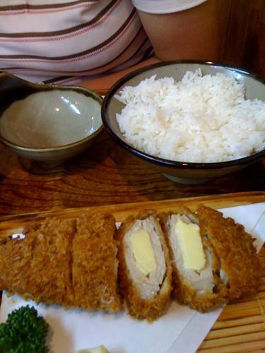 浦和とんつく「はさみとんかつチーズ」