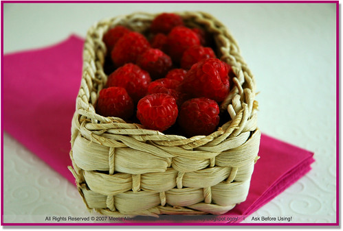 RaspberriesWhiteBasket
