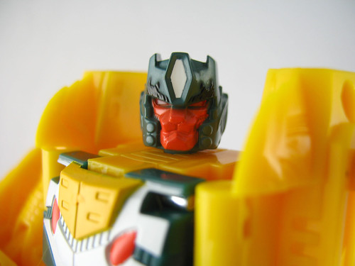 Botcon 2007 Weirdwolf (face close-up)