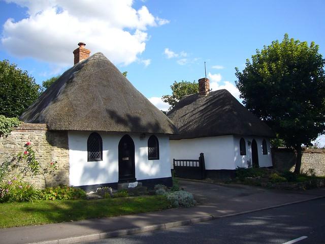 lodge houses, little milton