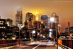 Minneapolis at night (jpnuwat) Tags: longexposure light minnesota night d70 minneapolis twincities stonearchbridge dsc1022 diamondclassphotographer flickrdiamond adjustedshadowhighlight 20091217