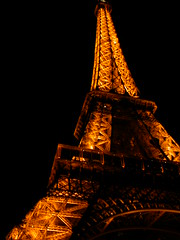 paris france eiffel (toltequita) Tags: light paris france tower metal night torre eiffeltower eiffel torreeiffel thebest 2007 ilumination babel estructure diamondclassphotographer flickrdiamond toltequita juanrojo