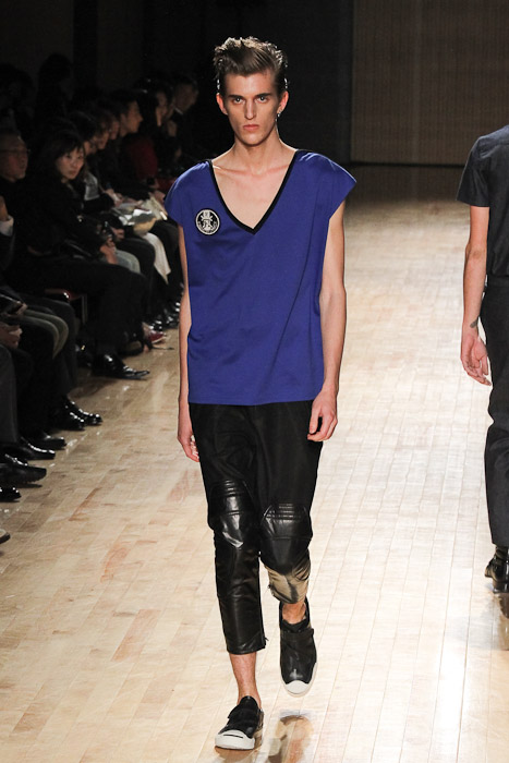 Gabriel Gronvik3106_SS11_Tokyo_ato(Fashionsnap)