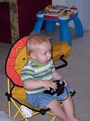 gideonplayingvideogames1