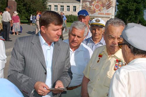 Мэр города с ветеранами