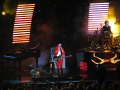 IMG_5508 (Eddie Birk) Tags: nyc music rock concert howard crowd performance band muse performers msg madisonsquaregarden bellamy wolstenholme chriswolstenholme dominichoward matthewbellamy