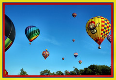 chase your dreams across the sky (tobibritsch) Tags: balloons lovelovelove superhearts excapture