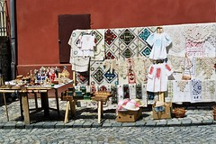 Romanian Folk art at Sighisoara - Romania (liormania) Tags: old history folk folklore medieval romania sighisoara transylvania folks transilvania oldcity rumania roumanie erdly schassburg sighioara ardeal siebenbrgen rumanian rumanien sigisoara schburg segesvar segesvr sigishoara siedmiogrd bakalu mbakalu transilvanija erdel sedmohradsko transylvnia