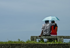 Puppy love (Maron) Tags: blue love couple fort young teenagers srilanka galle supermarion marionnesje