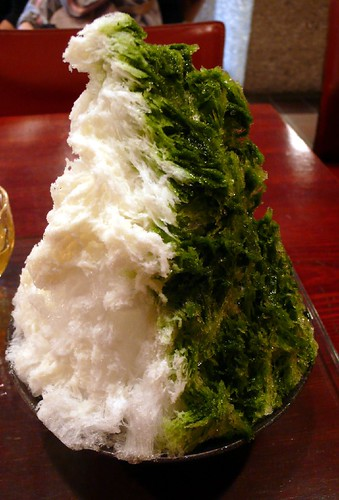 shaved ice with milk and greentea